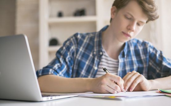 How to Write an Informative Essay-min